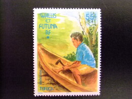 WALLIS Y FUTUNA WALLIS Et FUTUNA 1999 Petit Bateau Homme Construisant Une Pirogue Yvert & Tellier Nº 533 ** MNH - Wallis Y Futuna