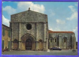 Carte Postale 17. Saint-Georges DS Citroën église  Trés Beau Plan - Ile D'Oléron