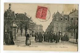 Ref 198 - CHATELLERAULT - Hôtel De Ville - Hôtel Moderne (TRES BELLE ANIMATION De 1906) - Chatellerault