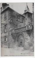 RODEZ - VIEILLE MAISON - PLACE DE LA MAIRIE CONSTRUITE EN 1510 - CPA NON VOYAGEE - Rodez