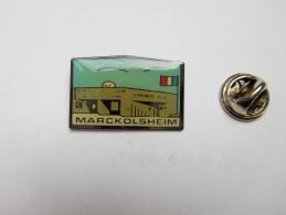 Superbe Pin´s , Armée Militaire , Musée Mémorial Ligne Maginot à Marckolsheim , Casemate , Alsace - Militair & Leger