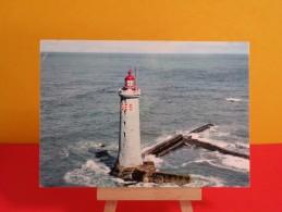 France > [85] Vendée> Saint Hilaire De Riez, Phare Des Barges - Non Circulé, Un Clic Sur La Photo - Vuurtorens