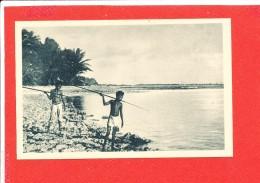 CAROLINES Cpa Animée Petits Canaques Pecheur  3 Edit J M Imp Lescuyer - Micronesia