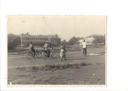 14258 - La Garde à Vélos Soldats  Couple 2 Scans  (Format 10 X 15) - Congo Français - Autres