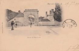 BAR SUR SEINE - LA PORTE DE CHATILLON EN 1899 - CARTE - PRECURSEUR - AVEC PETITE ANIMATION - AU CENTRE LE PHOTOGRAPHE - - Bar-sur-Seine