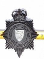 PLAQUE CASQUE POLICEMAN ANGLAIS LEICESTERSHIRE AND RUTLAND à Voir ..... - Headpieces, Headdresses
