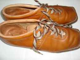 CHAUSSURES MARQUE LE TRAPPEUR  POUR SKI DE FOND   POINTURE 40  ( POUR DECO ) - Shoes
