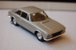 31-124. Coche Peugeot 504 Coupe V6 - Solido