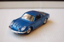 31-127. Coche Renault Alpine Berlinete - Solido