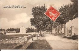 79. Mauzé, Gendarmerie Et Avenue Gare (traces D'anciennes Fixations Au Dos) - Mauze Sur Le Mignon