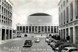 ROMA. E.U.R. - IL  PALAZZO DEI CONGRESSI E VIALE DELLA CIVILTA' DEL LAVORO CON AUTO ANNI '50.  VIAGGIATA 1961 - Roma