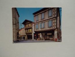 32 EAUZE Vieilles Maisons Restaurées Place De L'église Café De France Pâtisserie Bar Commerces - Autres Communes