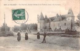 CPA Le Folgoet Le Doyenné Ancien Chateau De La Duchesse Anne (animée) G104 - Le Folgoët