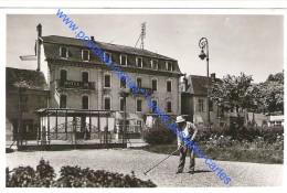 74 HAUTE SAVOIE Jardinier Ratisseur à L'Hôtel Du Commerce De RUMILLY+Daguin - Rumilly