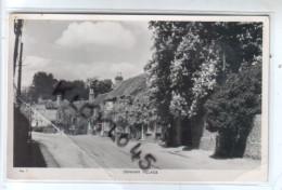 Angleterre - DENHAM VILLAGE - Vue De La Rue Du Village En été  Voiture Au Loin - CPSM CACHET TAMPON AUDOS - Buckinghamshire