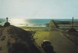 85---ILE DE NOIRMOUTIER---lever De Soleil Sur Le Passage Du Gois --voir 2 Scans - Ile De Noirmoutier