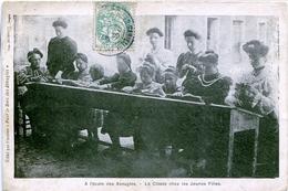 87. HAUTE-VIENNE - LIMOGES. A L'Ecole Des Aveugles. La Classe Chez Les Jeunes Filles RARE. [2 Scans] - Limoges