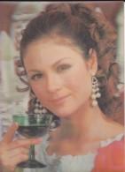 FEMME--carte Plastifié En Relief--cligne D´un Des Yeux---voir 2 Scans - Femmes