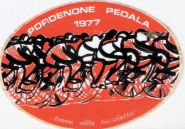 Adesivo Originale, Ovale PORDENONE PEDALA 1977 - ... Torna Alla Bicicletta! - Arancione - Adesivi