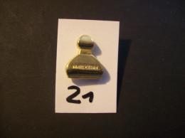 PIN´S - Parfums - MAROUSSIA - Voir Photo (21 ) - Parfum