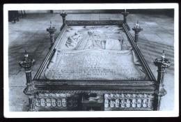 88 Vosges Mattaincourt Basilique St Pierre Fourier La Pierre Tombale 1640 1732 - Autres Communes