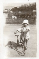 64Stm   Photo Tacot Jouet Enfant Tricycle - Games & Toys