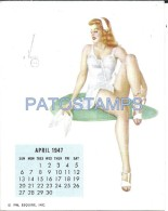36343 ART ARTE SIGNED VAROA WOMAN SENSUAL & CALENDARY APRIL 1947 8.5 X 10.8 CM NO PIN UPS  POSTAL POSTCARD - Pin-Ups