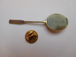 Beau Pin´s En Zamac , Raquette De Badminton    , Signé Boussemart - Badminton