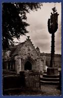 29 SAINT-HERBOT Chapelle XVe Siècle, Porche Sud 1498, Ossuaire 1558, Calvaire 1571 - Saint-Herbot
