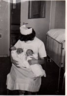Photo Originale Sage Femme - Infirmière - Maternité - Infirmière Et Triplés - - Beroepen
