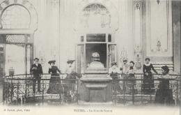 Vittel (Vosges) - La Grande Source - Edition H. Ferrari - Carte Précurseur Non Circulée - Health