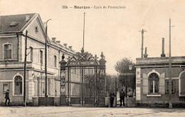 BOURGES école De  Pyrotechnie - Bourges