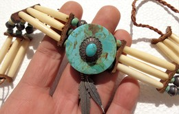 Ethnic (Navajo ?) Silver, Turquoise And Bone Necklace - Etnica