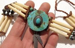Ethnic (Navajo ?) Silver, Turquoise And Bone Necklace - Ethnics