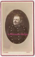 CDV En 1878- Soldat Grenades Sur Col-photo L. Salomon Rue Saint Sernin Et Rue Thiac à Bordeaux - Guerre, Militaire