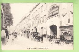 PONTARLIER - Rue De La GARE - Belle Animation Devant L' Hôtel De Paris - TBE - 2 Scans - Pontarlier