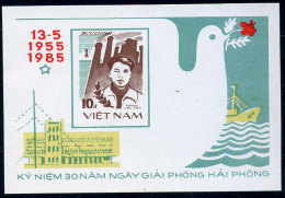 Vietnam Viet Nam MNH Souvenir Shseet 1985 : 30th Anniversary Of Liberation Of Hai Phong / To Hieu (Ms464B) - Vietnam