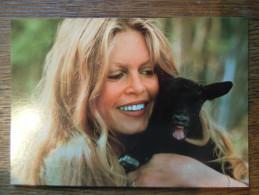 DIVERS : Brigitte Bardot - Femmes Célèbres