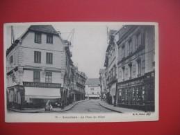 """CPA      Eure   - Louviers    """"   La Place Du Pilori  """" - Louviers"""