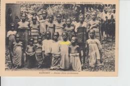 Jeunes Filles Chretiennes - Dahomey
