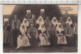 Les Mariages De Plougastel-Daoulas - Un Couple De Mariés - Costumes