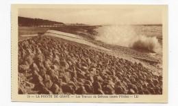 LA POINTE DE GRAVE - N° 73 - LES TRAVAUX DE DEFENSE CONTRE L' OCEAN - CPA NON VOYAGEE - France