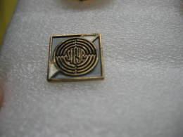 Pin´s Embleme De La Marque De Voitures - Motos STEYR - Pins
