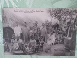 MISSION DU SHIRE . DES PERES MONTFORTAINS  . SCENE DE VILLAGE - Cartes Postales