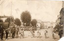 ISSOIRE CARTE PHOTO DEPART DE LA COURSE CYCLISTE - Issoire