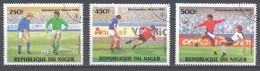 Niger Poste Aérienne YT N°330-331-332 Eliminatoires De La Coupe Du Monde De Football Mexico 1986 Oblitéré ° - Níger (1960-...)