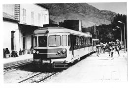 CORSE (20) Photographie Chemin De Fer De Corse Gare Animation Autorail Vers 1980 ? - France