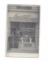 Carte Photo à Localiser : COIFFEUR-PARFUMEUR FERNAND - Cartes Postales