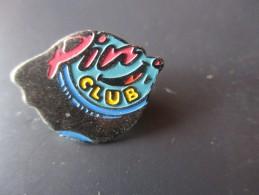 Pin´s --  Club  Pin´s - Pin's