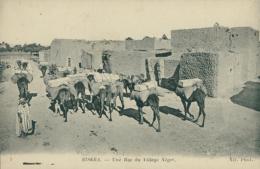 DZ BISKRA / Une Rue Du Village Nègre / - Biskra